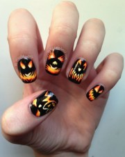 scary halloween nails art