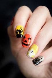 scary halloween nails art