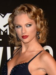 lovely red carpet hairstyles