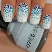 gradient polka dot nail art