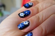 marvelous floral nail design