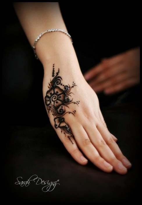 Cute Baby Girl Wallpapers For Facebook Cover New Year 2014 Latest Mehndi Designs For Girls