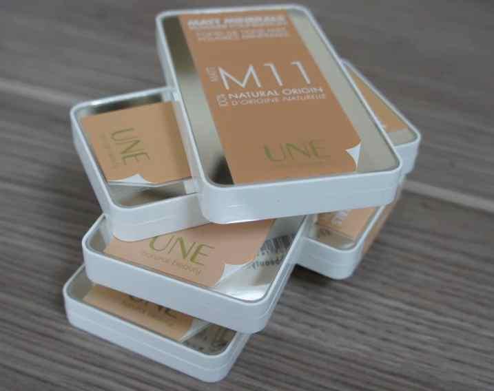 Une_Fond_de_teint_mineral_mat
