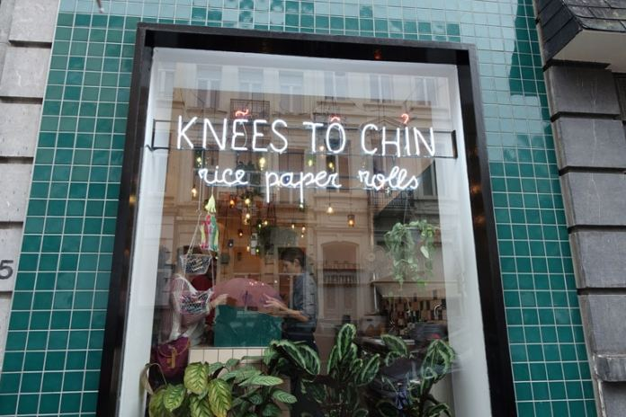 knees_to_chin768