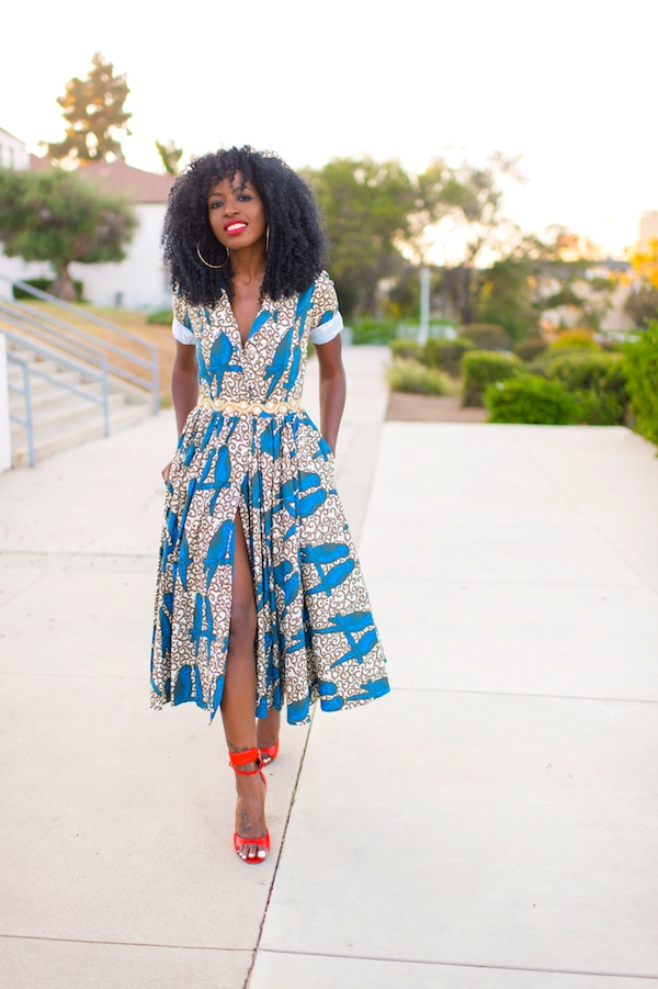 Wrap Dress With A Belt. Fit for the casual outdoor type. Can be easily decorated with all sorts of jewelry as long as the colors are well matched.