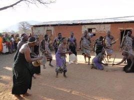 wagogo-gogo-people-tanzanian-dancing-ethnic-grou-5