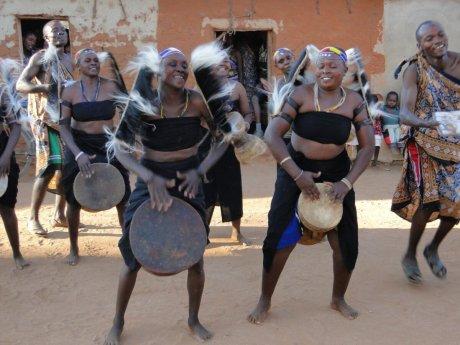 wagogo-gogo-people-tanzanian-dancing-ethnic-grou-7