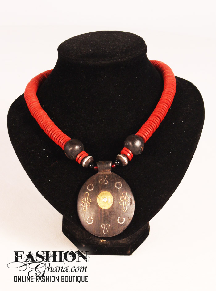 Ebony Pendant Choker With Cofi Beads