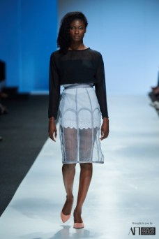 Lara Klawikowski mercedes benz fashion week cape town 2017 (5)
