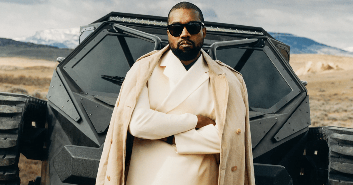 Fashion Designer Rap Star Kanye West Is Now Officially A Billionaire Fashionghana Com 100 African Fashion