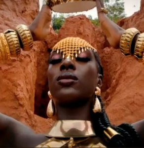 #HOTSHOTS: Dark Skinned Beauty Gifty B Gets Godified Egyptian Style In New Editorial By OAB Photography