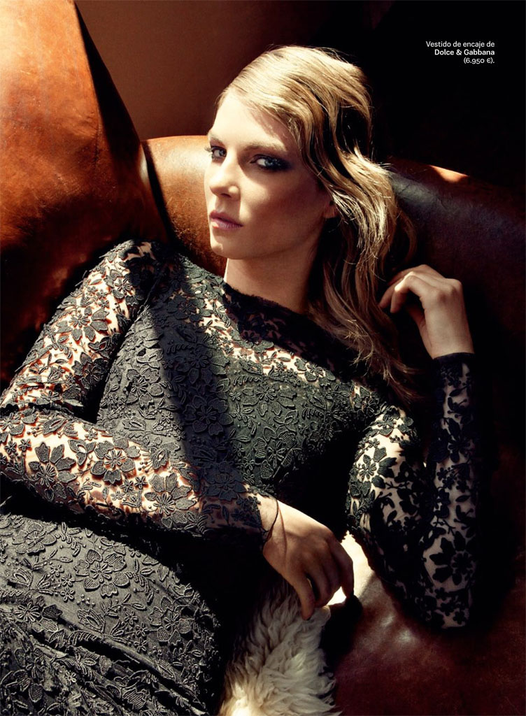 Angela Lindvall Keeps it LowKey for Hilary Walsh in S Moda Spread