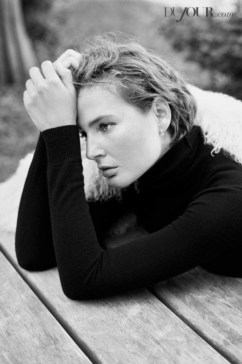 Bridget Hall Shoots First Editorial in 3 Years for DuJour
