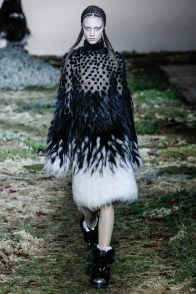 alexander-mcqueen-fall-winter-2014-show14
