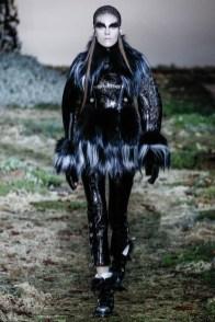 alexander-mcqueen-fall-winter-2014-show16