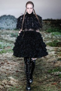 alexander-mcqueen-fall-winter-2014-show21