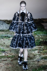 alexander-mcqueen-fall-winter-2014-show8