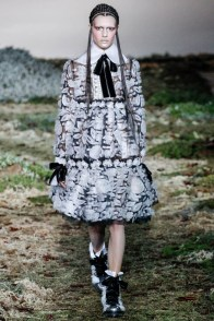 alexander-mcqueen-fall-winter-2014-show9
