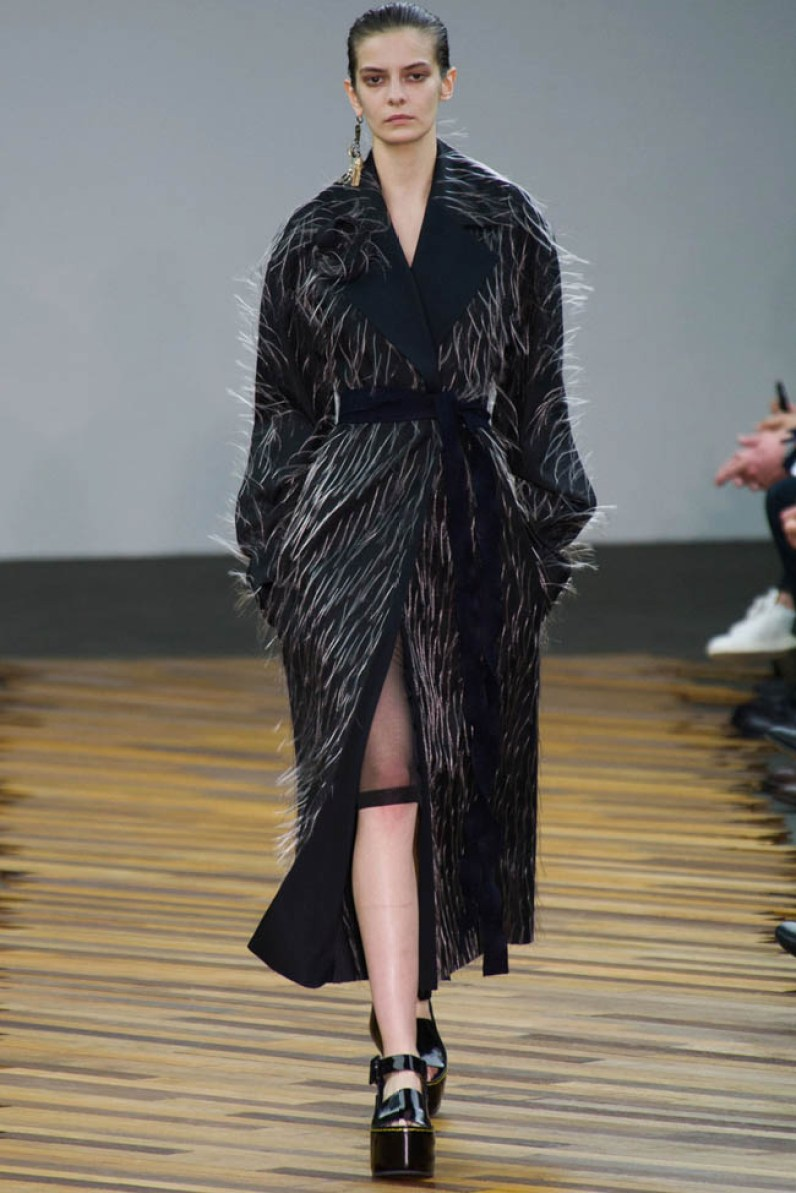 celine-fall-winter-2014-show42