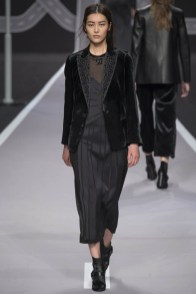 viktor-rolf-fall-winter-2014-show43