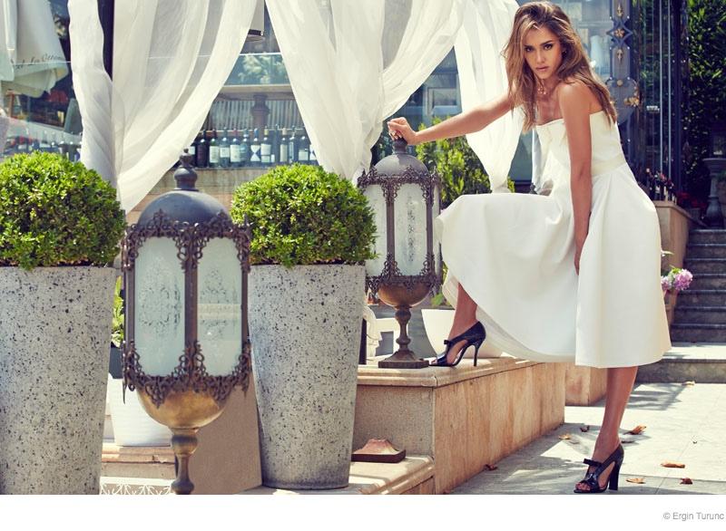 jessica alba cosmo photo shoot02 Jessica Alba Poses Poolside for Cosmopolitan Turkey by Ergin Turunc