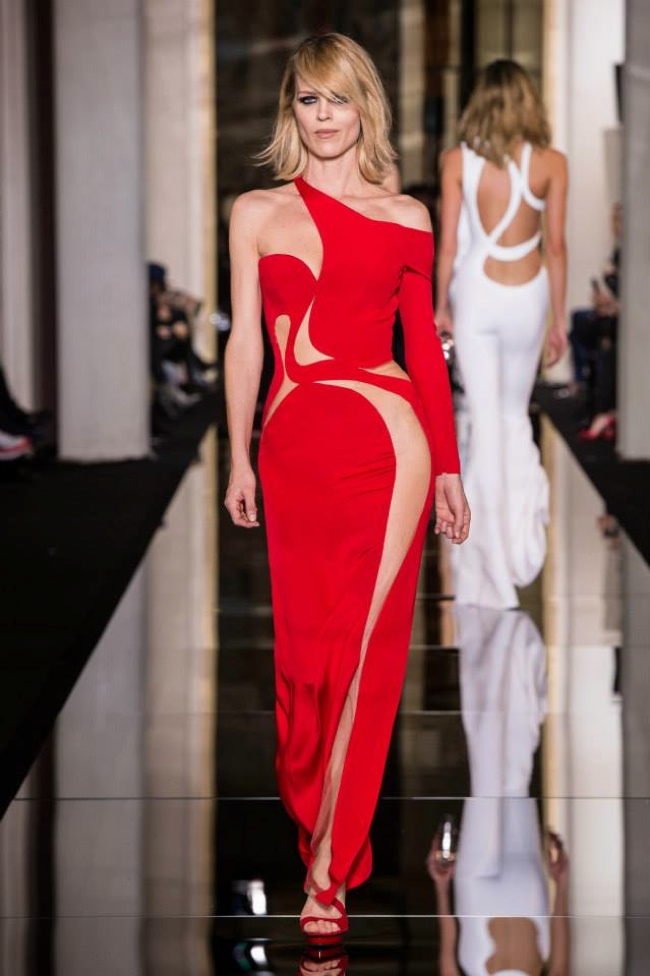 Atelier Versace Spring 2015 The Curve of Couture