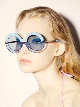 Karen-Walker-Eyewear-Resort-2015-Poolside03