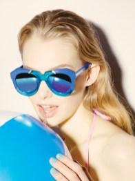 Karen-Walker-Eyewear-Resort-2015-Poolside07