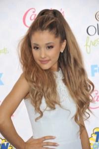 Ariana-Grande-Ponytail-Hairstyle