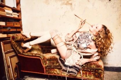 Alisa-Ahmann-Vogue-Ukraine-February-2016-Cover-Editorial06