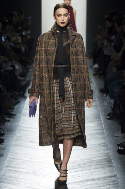 A look from Bottega Veneta's fall-winter 2016 collection