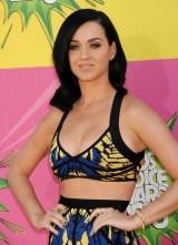 Katy-Perry-Medium-Length-Hairstyle