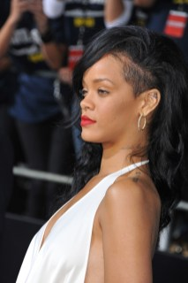 Rihanna shows off a hairstyle with shaved sides. Photo: Shutterstock