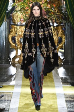 Roberto-Cavalli-2016-Fall-Winter-Runway08