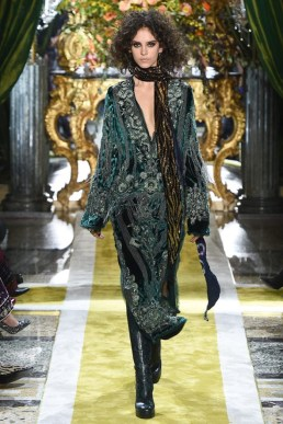 Roberto-Cavalli-2016-Fall-Winter-Runway09