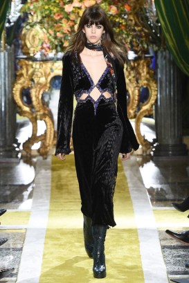 Roberto-Cavalli-2016-Fall-Winter-Runway39