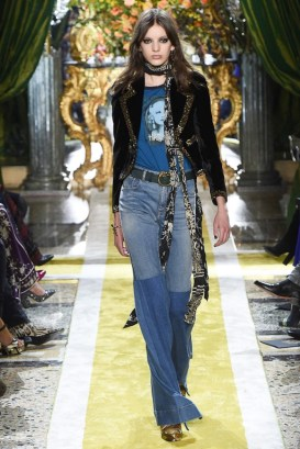 Roberto-Cavalli-2016-Fall-Winter-Runway40