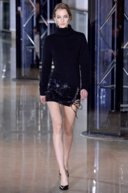 Anthony-Vaccarello-2016-Fall-Winter-Runway10