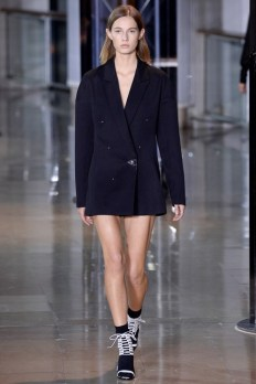 Anthony-Vaccarello-2016-Fall-Winter-Runway17