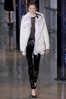 Anthony-Vaccarello-2016-Fall-Winter-Runway33