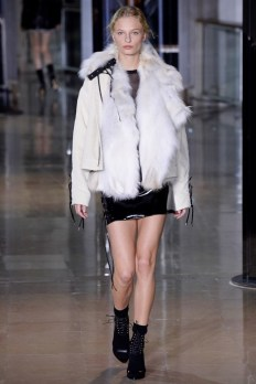 Anthony-Vaccarello-2016-Fall-Winter-Runway34