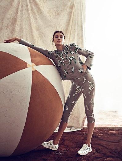 Diana-Moldovan-Circus-Fashion-Woman-Spain-Editorial11