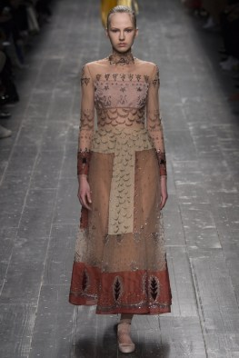 Valentino-2016-Fall-Winter-Runway42