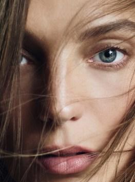 Daria-Werbowy-Harpers-Bazaar-UK-May-2016-Cover-Photoshoot06
