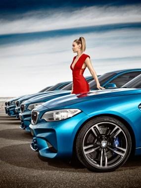 Gigi-Hadid-BMW-Car-Commercial04