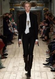 Valentino-Haute-Couture-2016-Fall-Runway-Show06