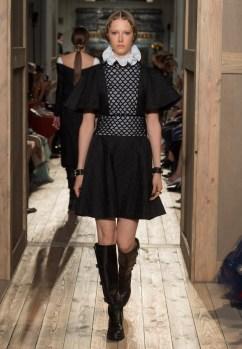 Valentino-Haute-Couture-2016-Fall-Runway-Show23