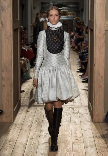Valentino-Haute-Couture-2016-Fall-Runway-Show29
