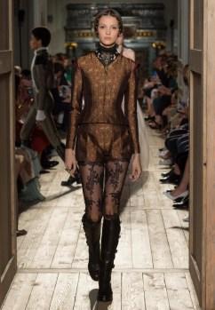 Valentino-Haute-Couture-2016-Fall-Runway-Show31