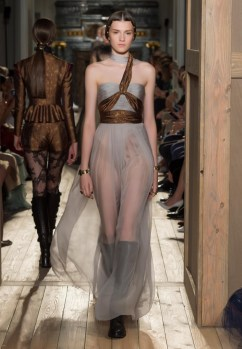 Valentino-Haute-Couture-2016-Fall-Runway-Show32